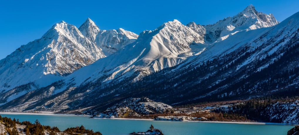 The Land of Snows: Free Travel Info for Tibet